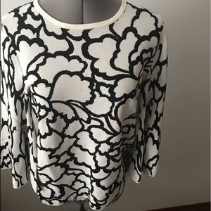 New sweater top black and white